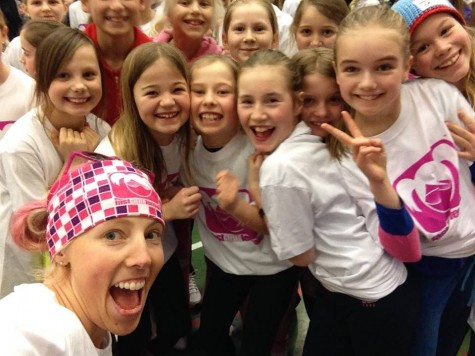 Kikkan doing a selfie with a bunch of excited fast and female girls! (photo by Kikkan)