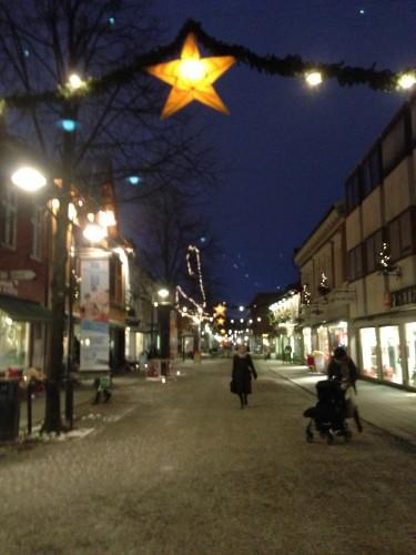 I just LOVE the festive feel of Lillehammer's main walking street!