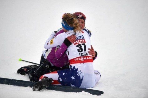Hugging at the finish line (photo from Salomon Nordic)