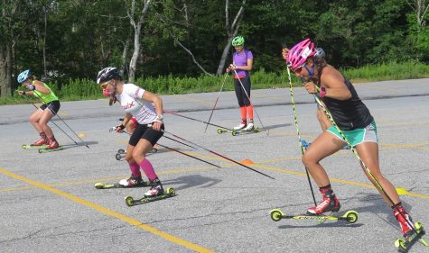 Julia racing with the junior girls in a sprint start. (photo by Lilly Caldwell)
